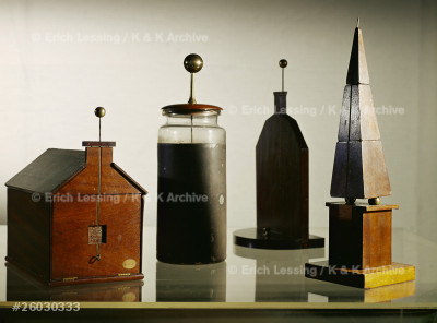 Models which served in Benjamin Franklin's lightening  