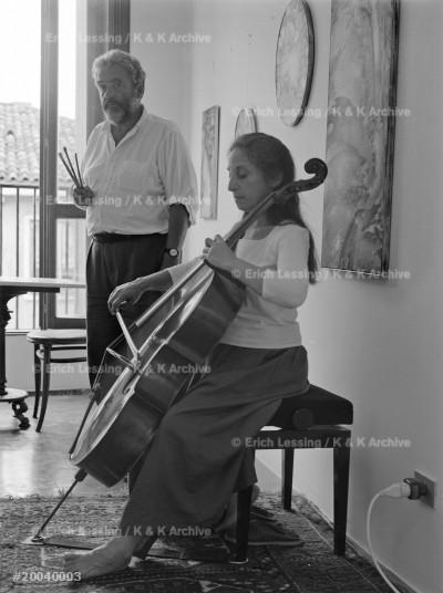 Painter Frieder Danielis and his wife, the cellist Susan Salm, Venice, 2004
