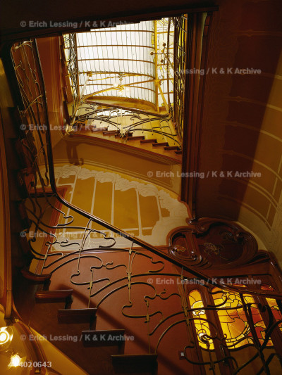 Ornamental staircase under a glass dome, house         which Belgian architect Victor Horta built for         himself at 25, rue Americaine, Brussels, in 1898.      See also 14-02-06/42-46