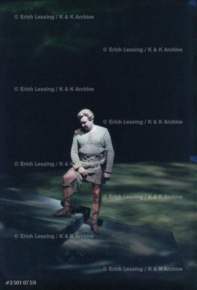 Performance of Lohengrin at the Bayreuth Festival 1958.Lohengrin: Sandor Konya.