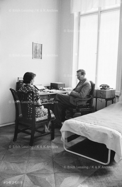 Life in post-war Vienna:Professor Hans Strotzka,       Freudian psychoanalyst, with patient.Strotzka          initiated group-therapy for survivors of Nazi          concentration camps. A photograph of Sigmund Freud     on the wall. Vienna,1954