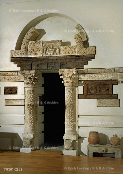 North portal of the Baouit-chapel.